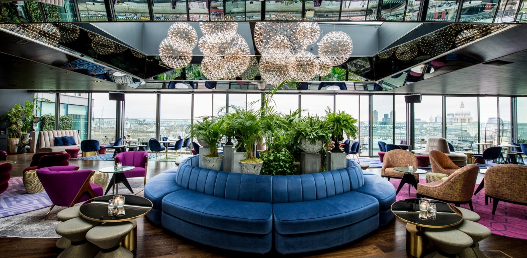 Stylish, great cocktails, DJs and live music - welcome to 12th Knot