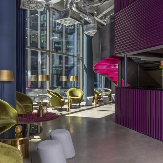 On the ground floor of the Gallery, the space transforms between a communal group check in area and lounge space to a reception for up to 120 guests within seconds